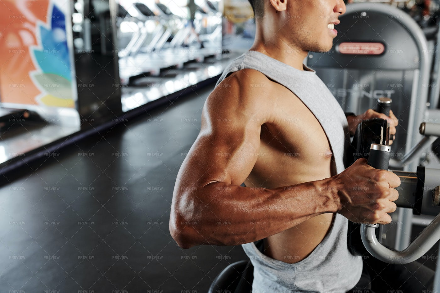Fit Man Doing Chest Exercise: Stock Photos