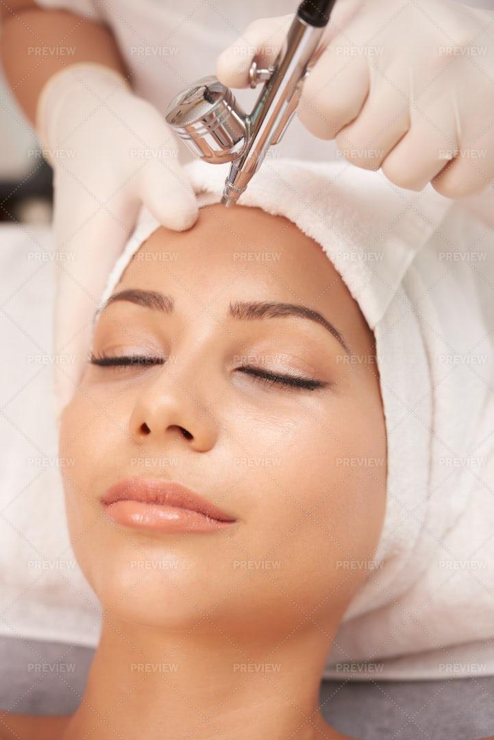 Beautiful Woman At Spa Procedure: Stock Photos