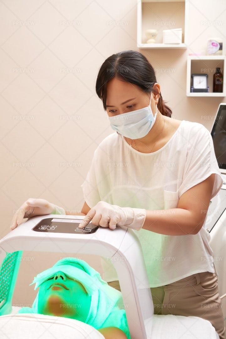 Beauty Procedure In Salon: Stock Photos