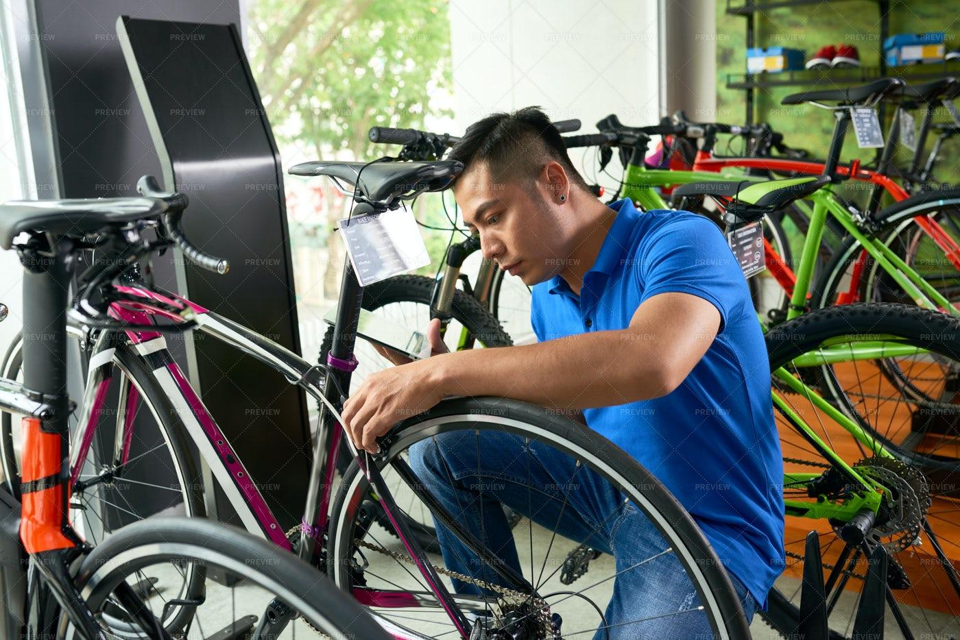 Assembling Bicycle: Stock Photos