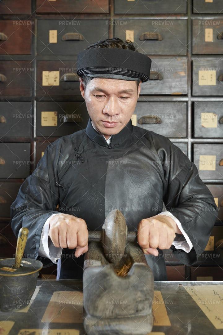 Traditional Medicine Practitioner: Stock Photos
