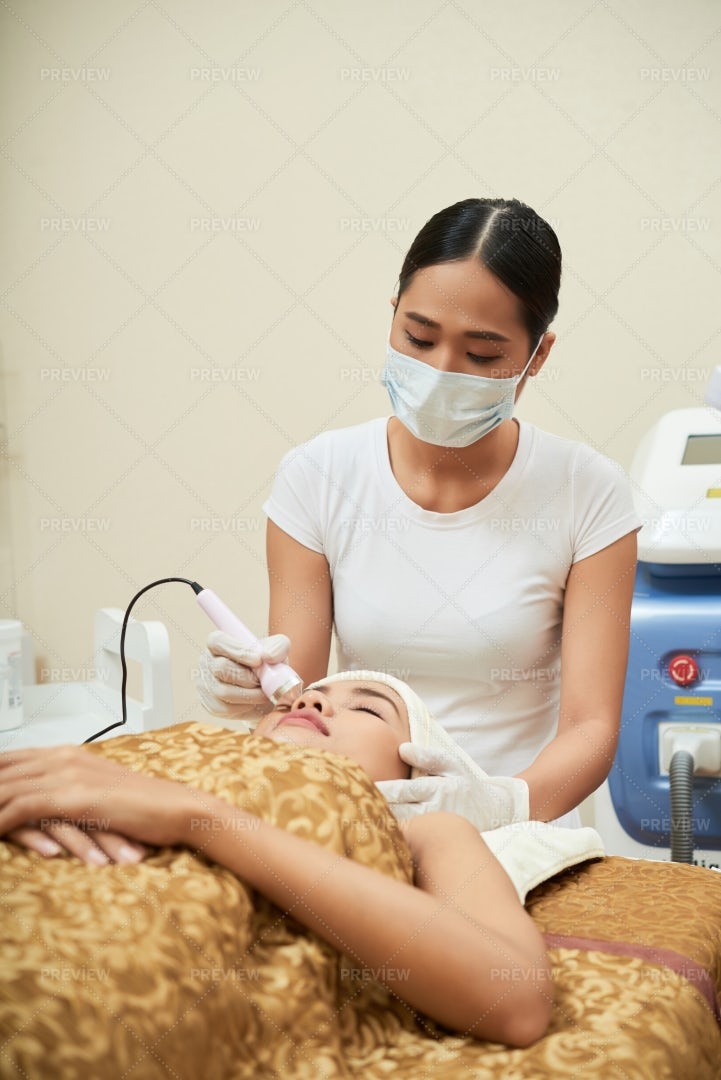 Ultrasound Cleaning For Face: Stock Photos