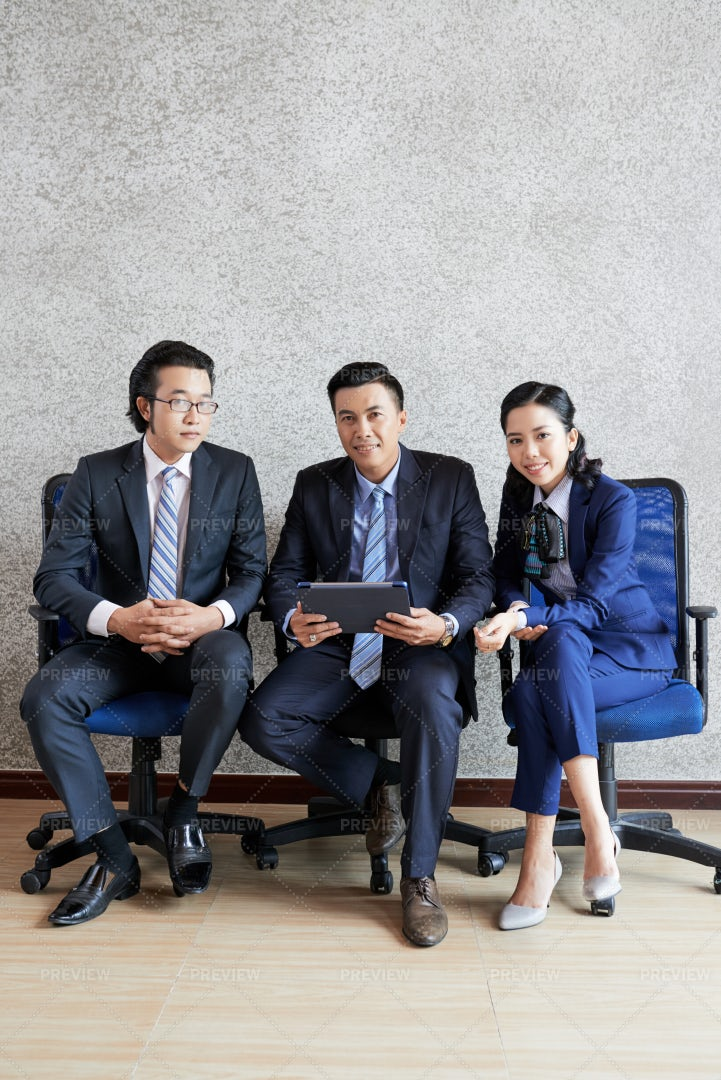Business People Using Tablet Pc: Stock Photos