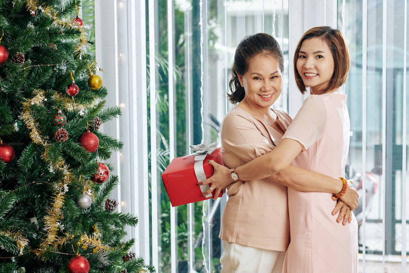 Happy Mother And Daughter: Stock Photos
