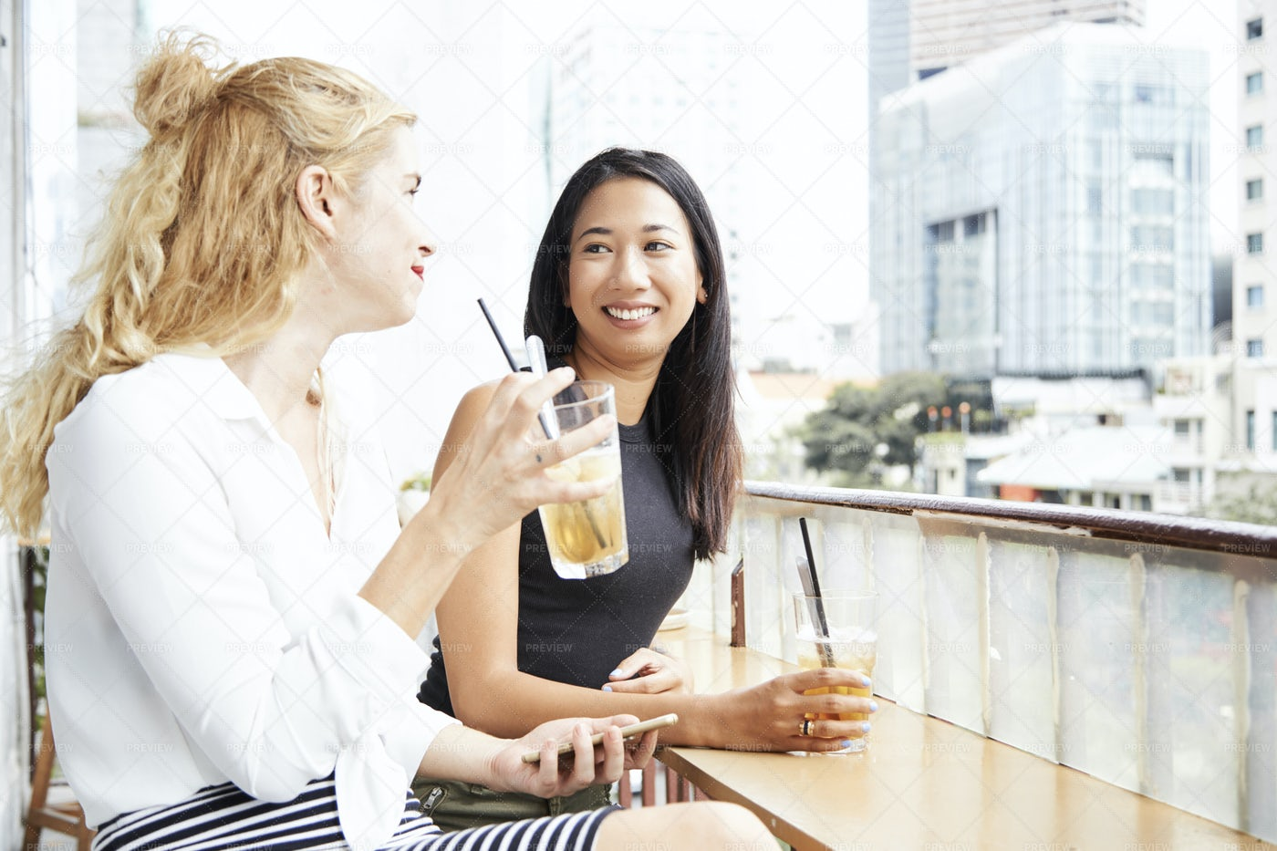 Gossiping Friends: Stock Photos