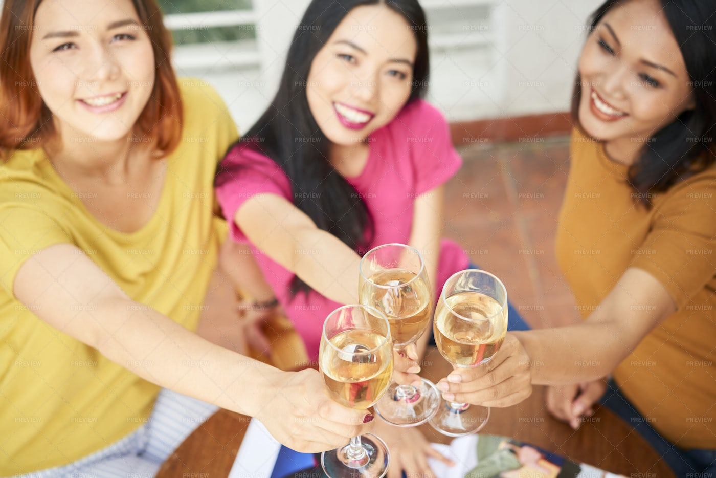 Women Celebrating With Champagne: Stock Photos