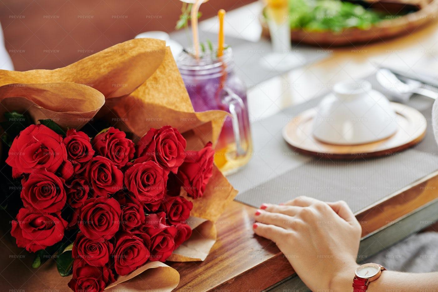 Big Bouquet Of Roses: Stock Photos