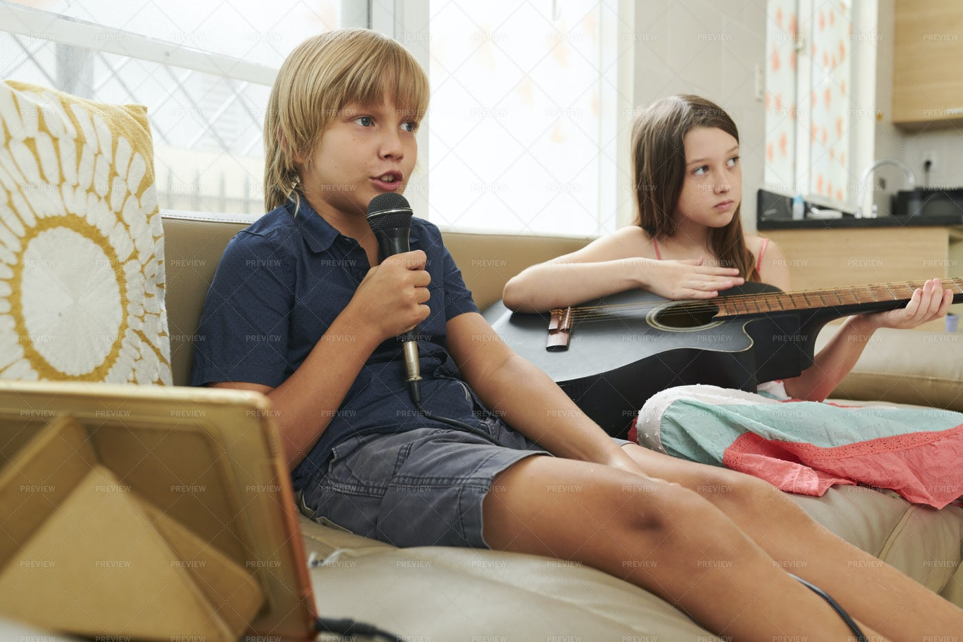 Children Karaoke: Stock Photos