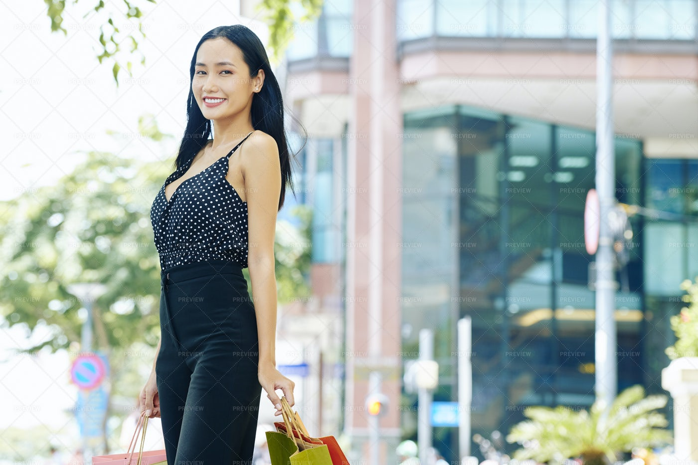 Woman Walking In The City: Stock Photos