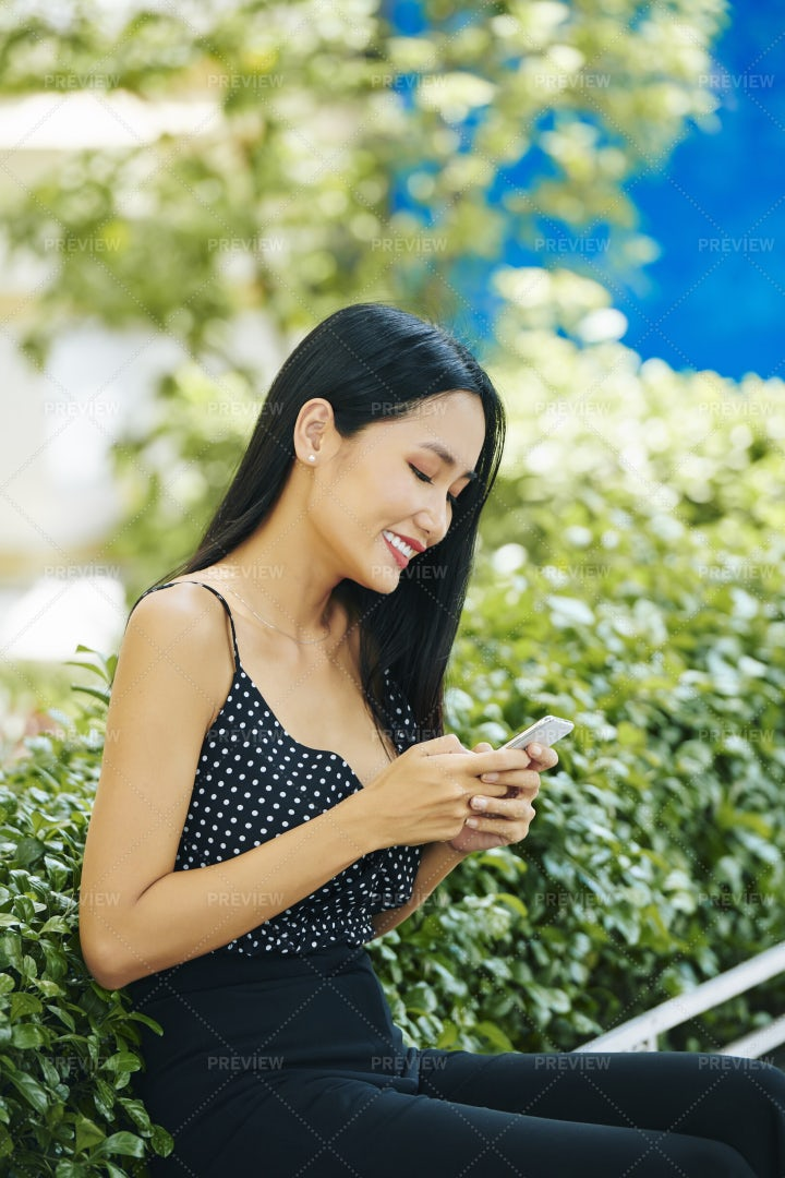 Female Blogger With Mobile Phone: Stock Photos
