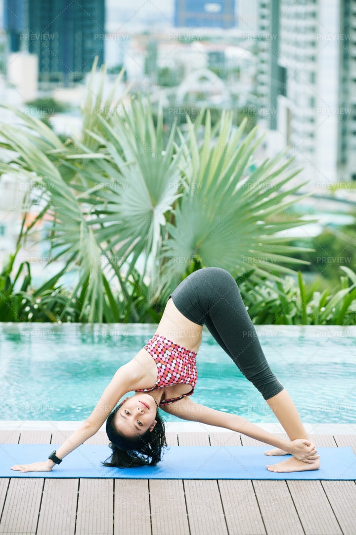 Fit Woman Training Outdoors: Stock Photos