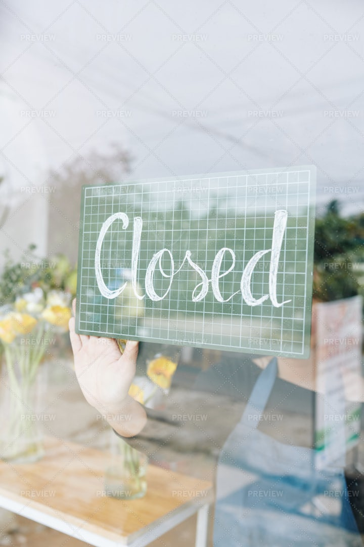 The Store Is Closed: Stock Photos