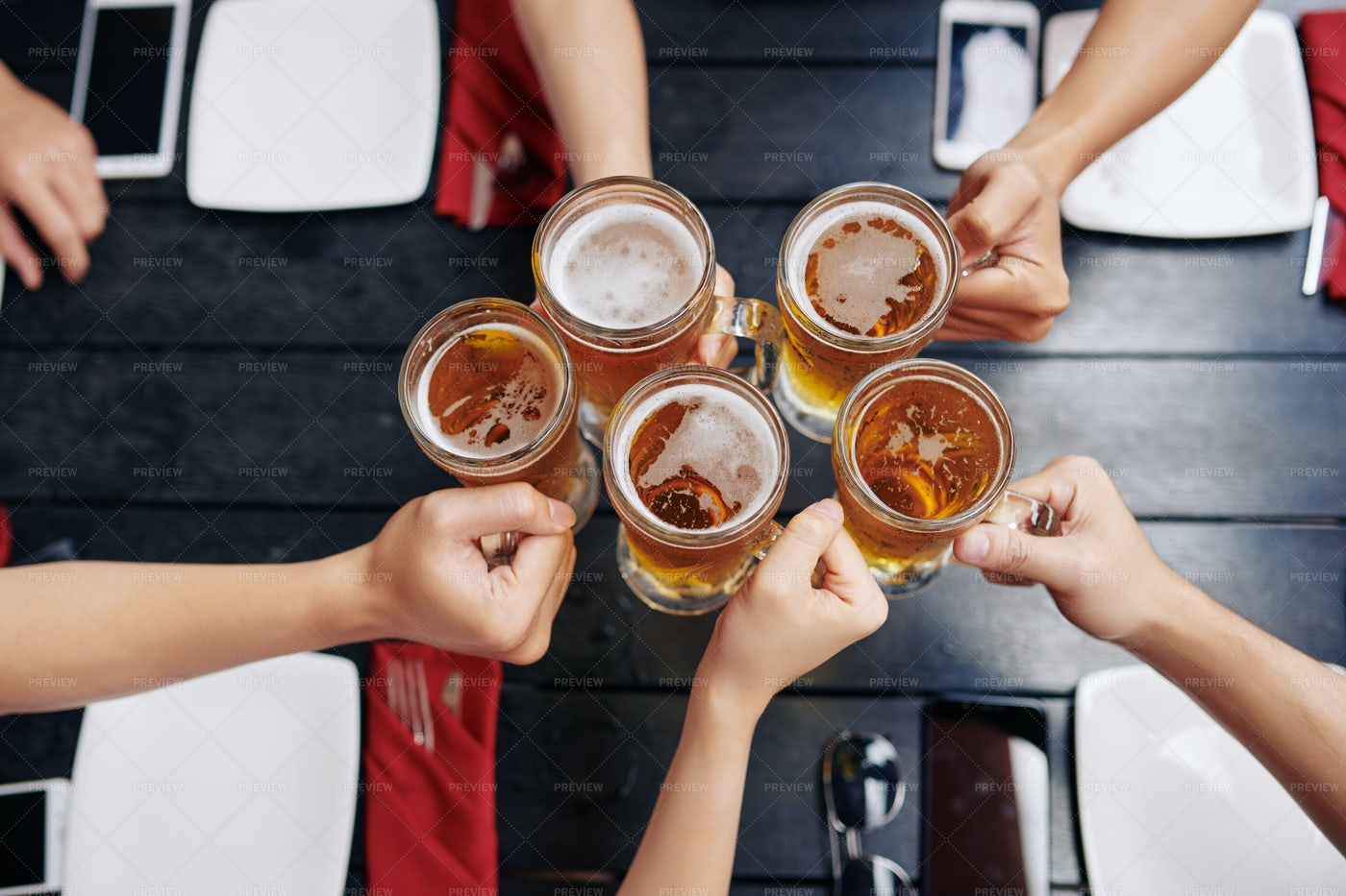 People Drinking Beer: Stock Photos