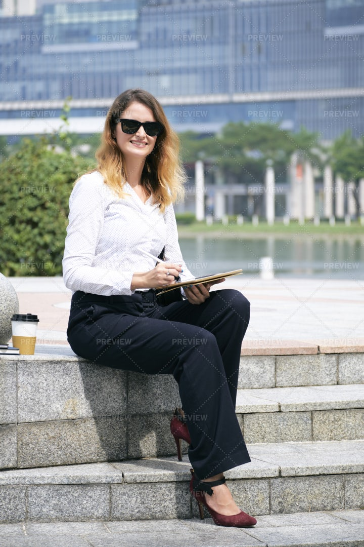 Business Lady Working In Park: Stock Photos