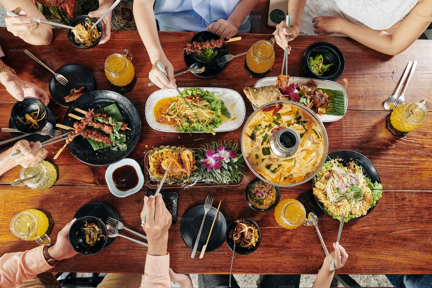 Big Family Dinner: Stock Photos