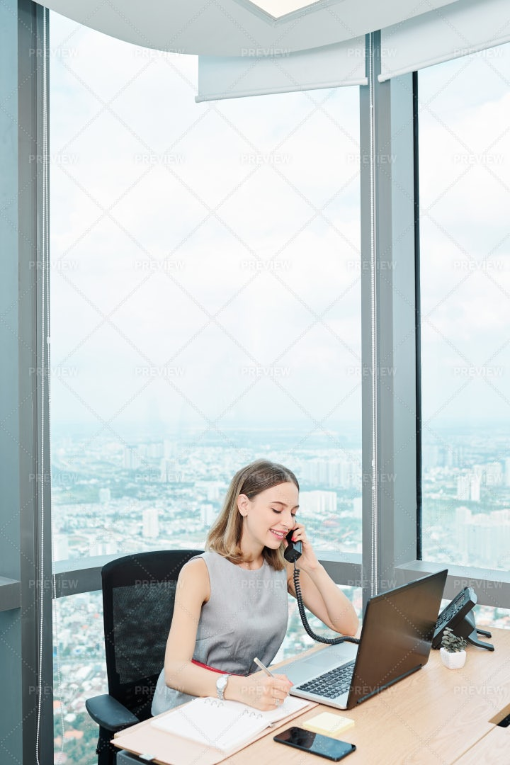 Business Lady Answering Phone Call: Stock Photos