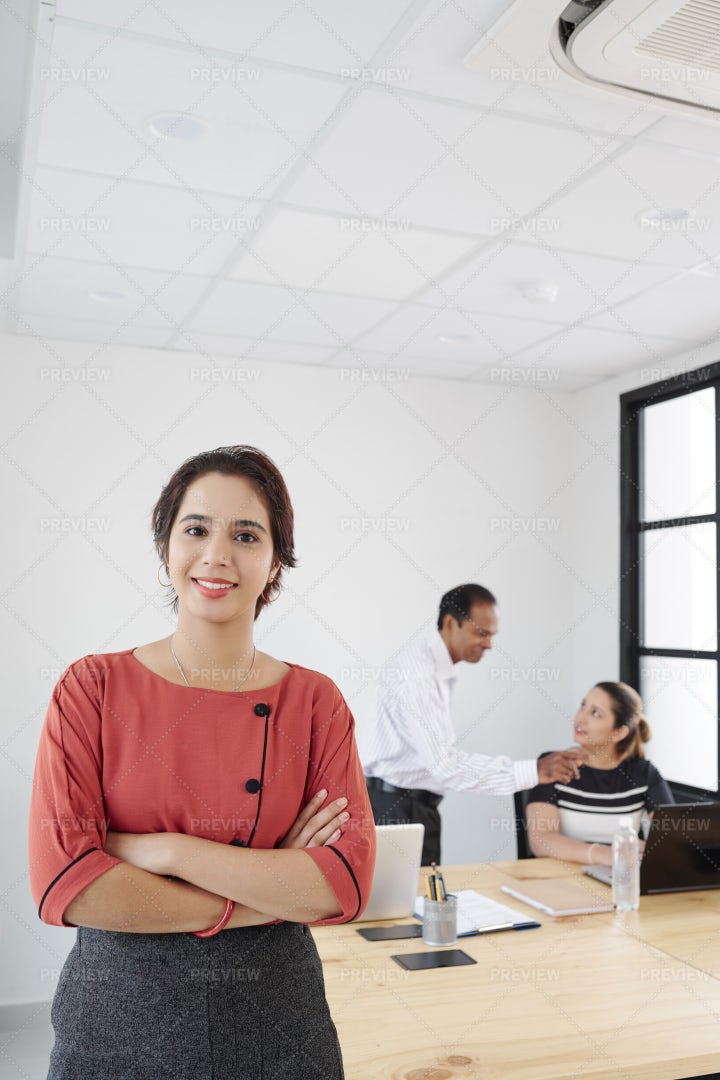 Female Leader Working With Employees: Stock Photos
