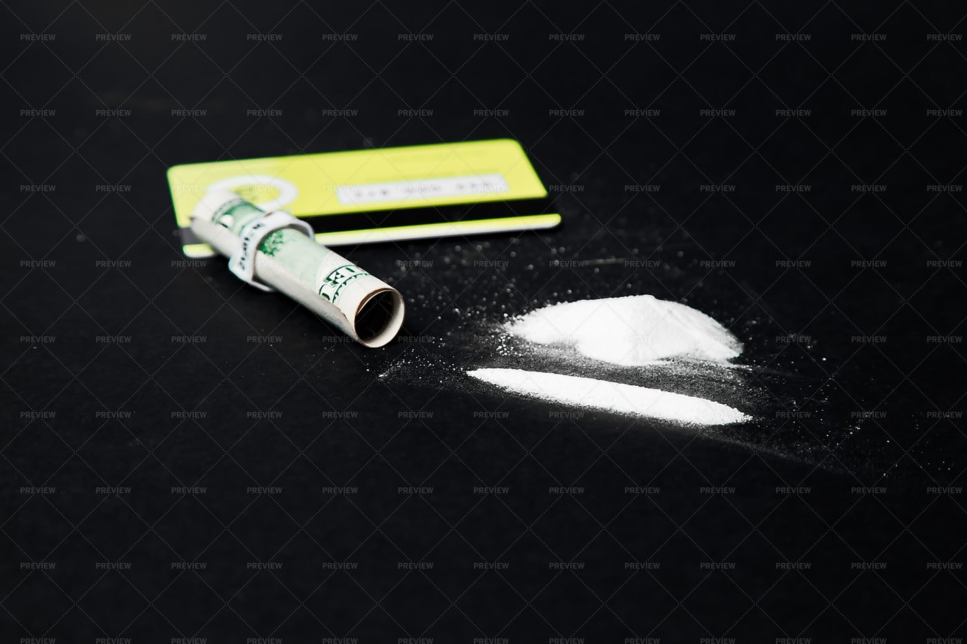 Cocaine With Note And Card: Stock Photos