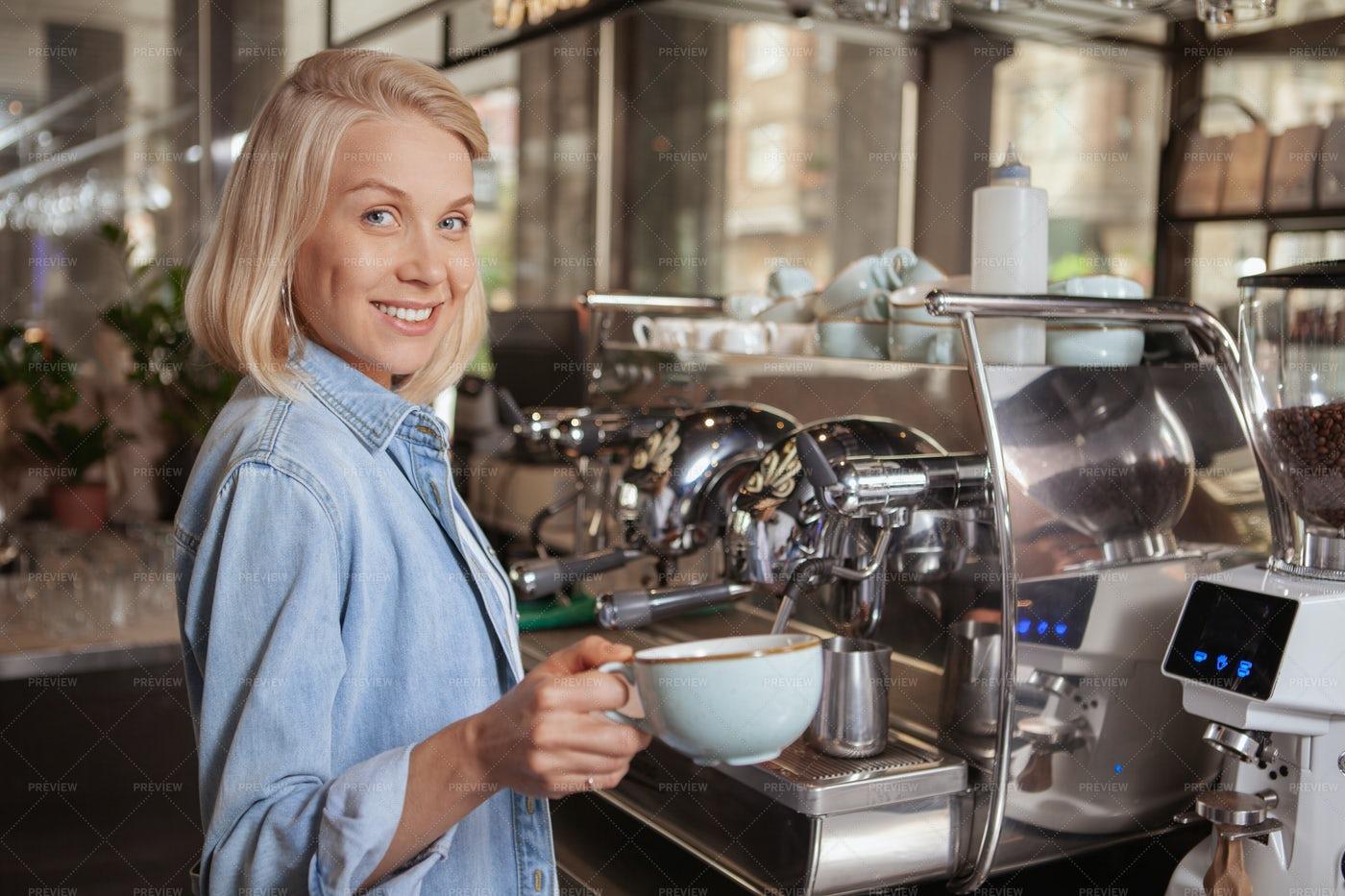 Barista Pouring Coffee: Stock Photos