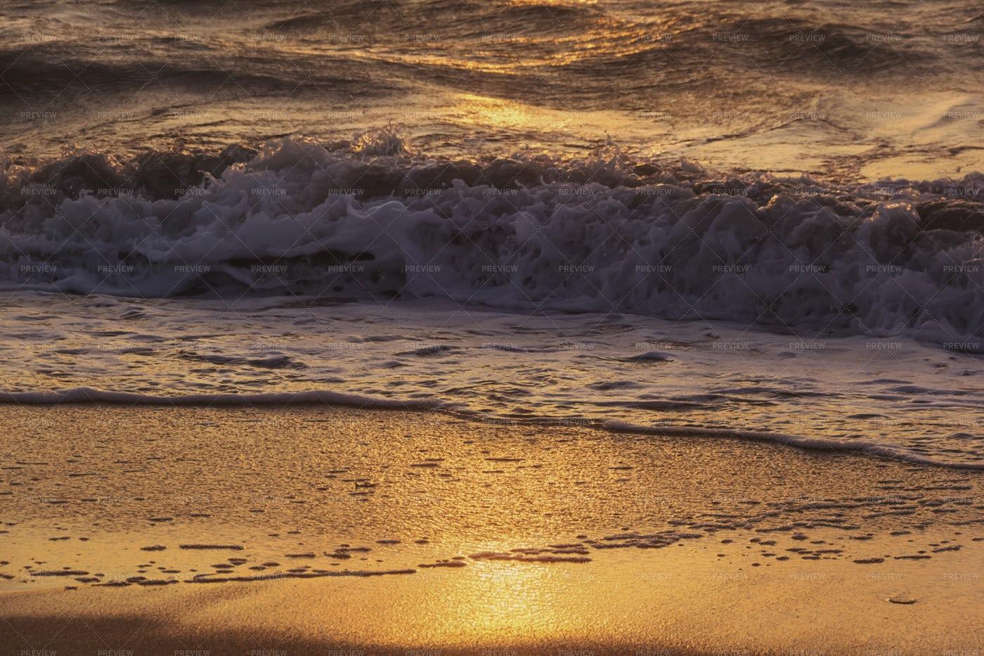 Golden Wave At Sunset: Stock Photos