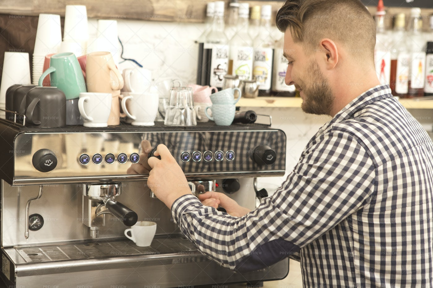 Barista Making Coffee: Stock Photos