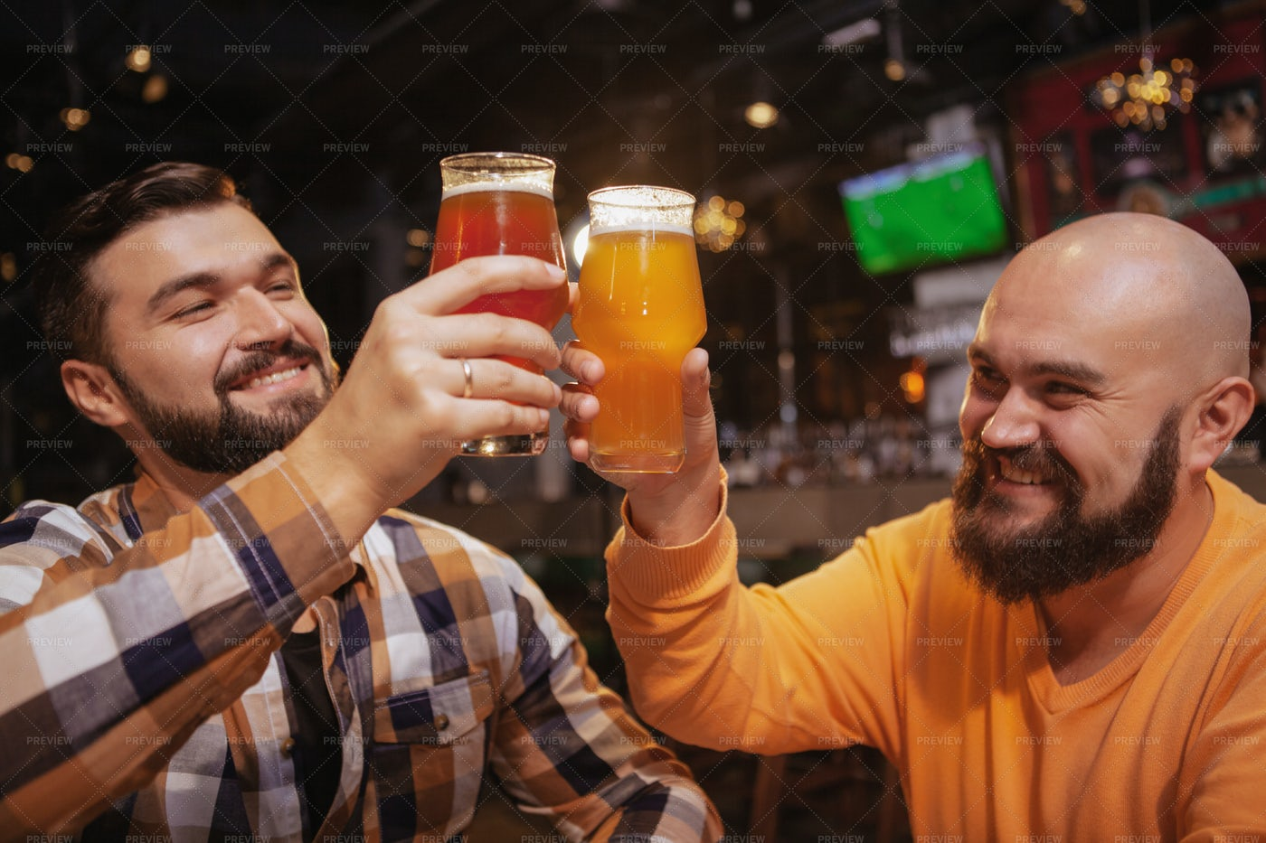 Best Friends And Beers: Stock Photos