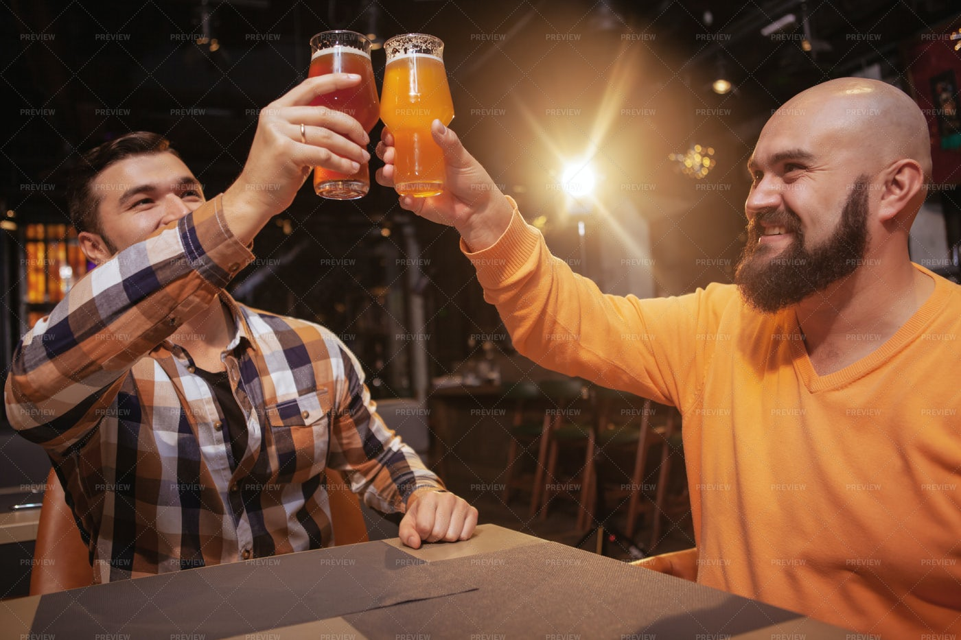 Clinking Beer Glasses: Stock Photos