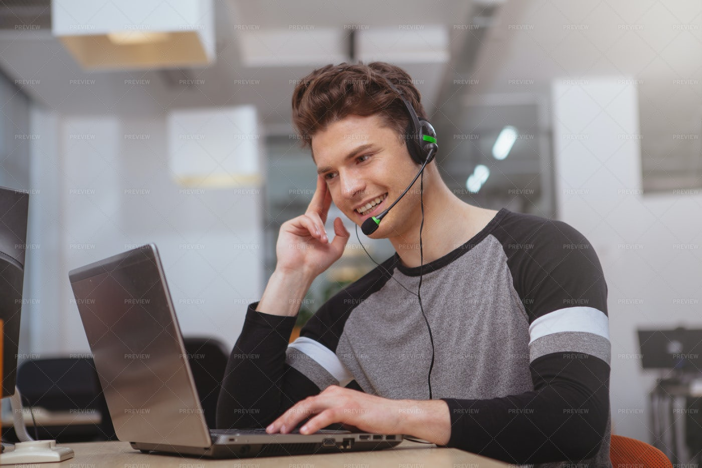Customer Support Worker: Stock Photos