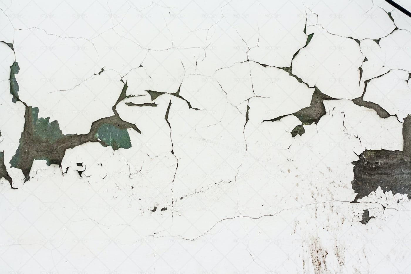 Plaster Cracked Wall: Stock Photos