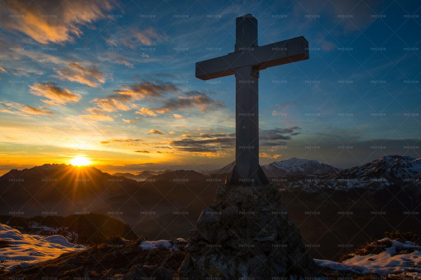 Christian Cross At Sunset: Stock Photos