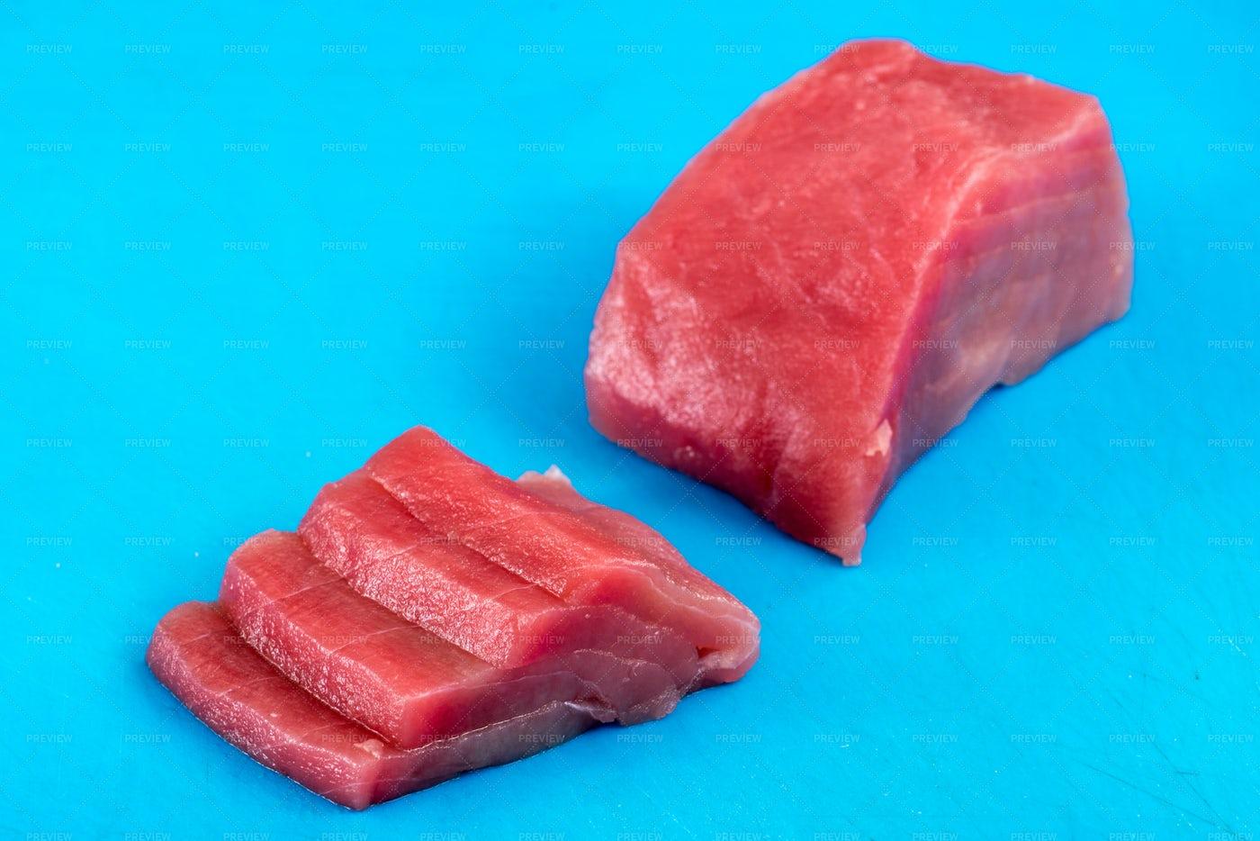 Sliced Raw Tuna: Stock Photos