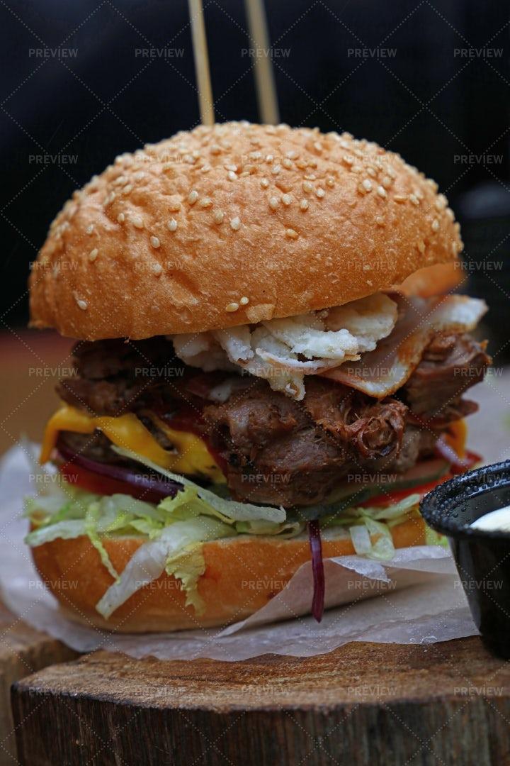 Big Burger: Stock Photos
