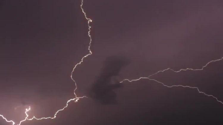 Lightning Bolts: Stock Video