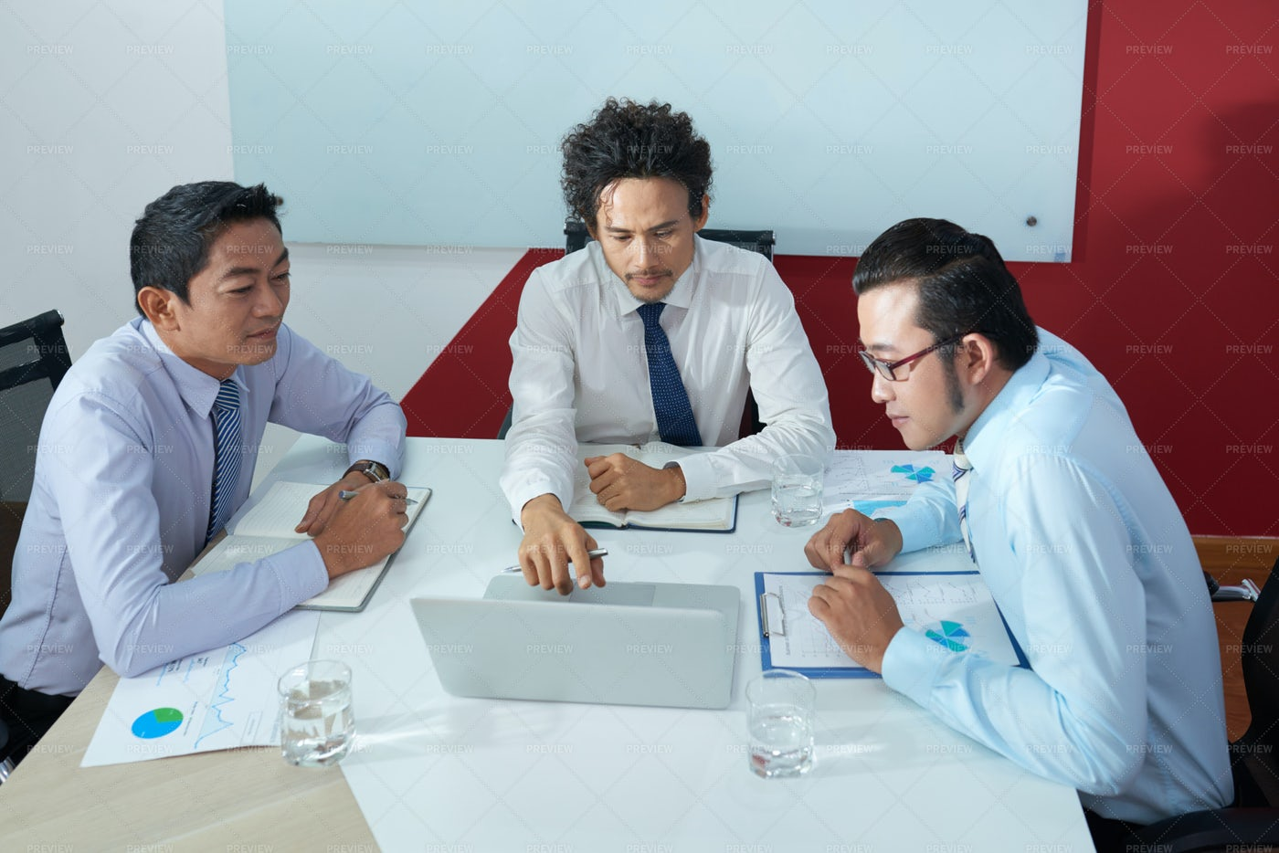 Business Team Having Meeting: Stock Photos
