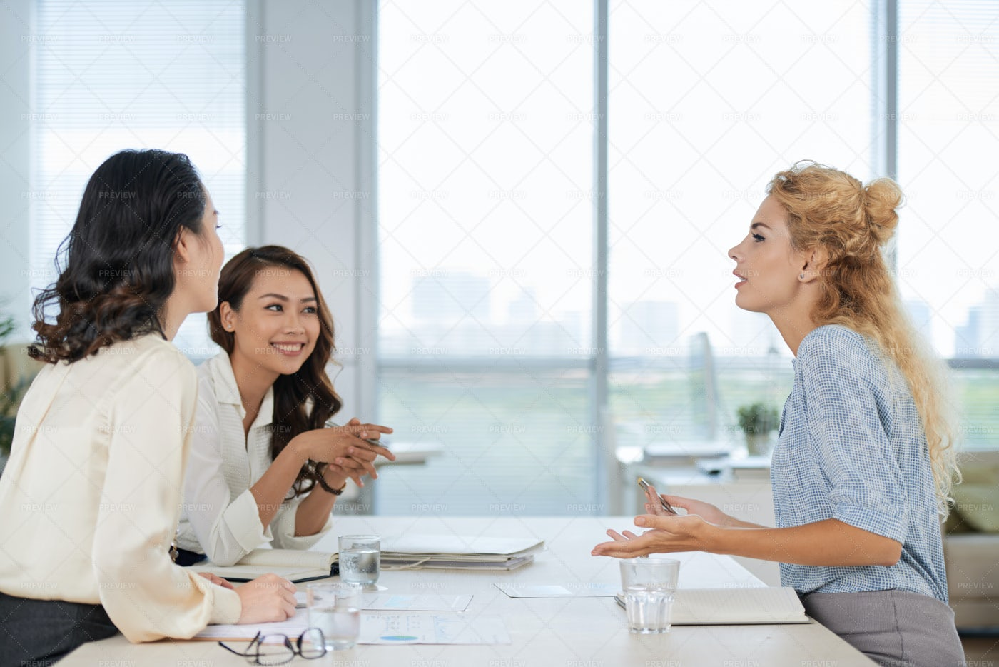Arguing Female Coworkers: Stock Photos