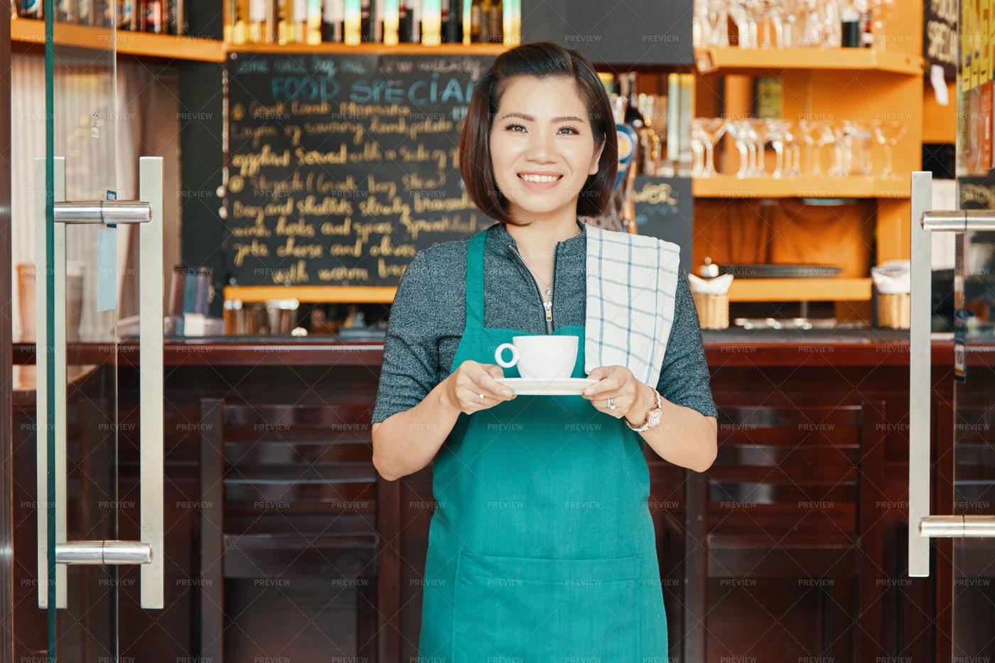 Coffeeshop Waitress: Stock Photos