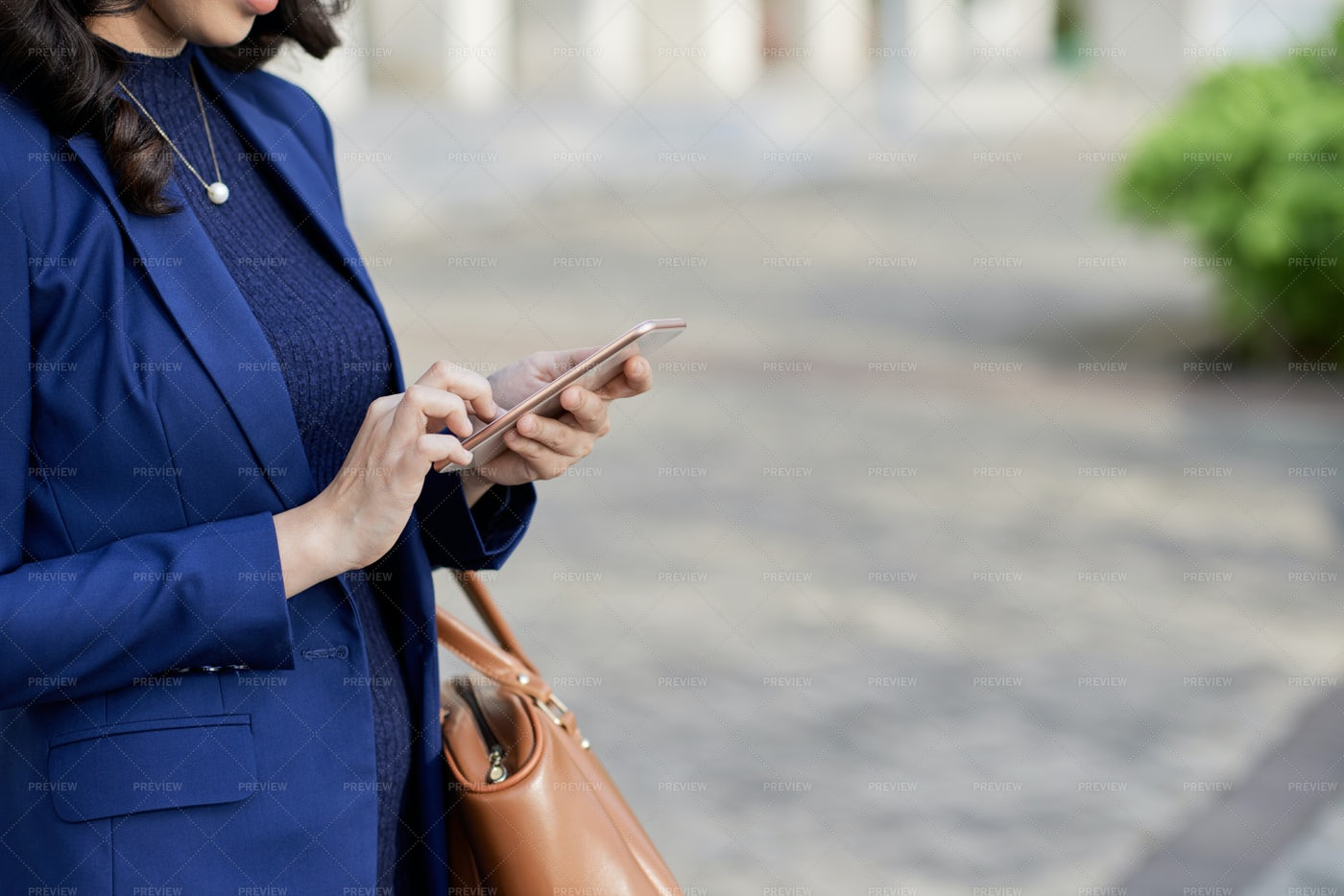 Business Lady With Smartphone: Stock Photos