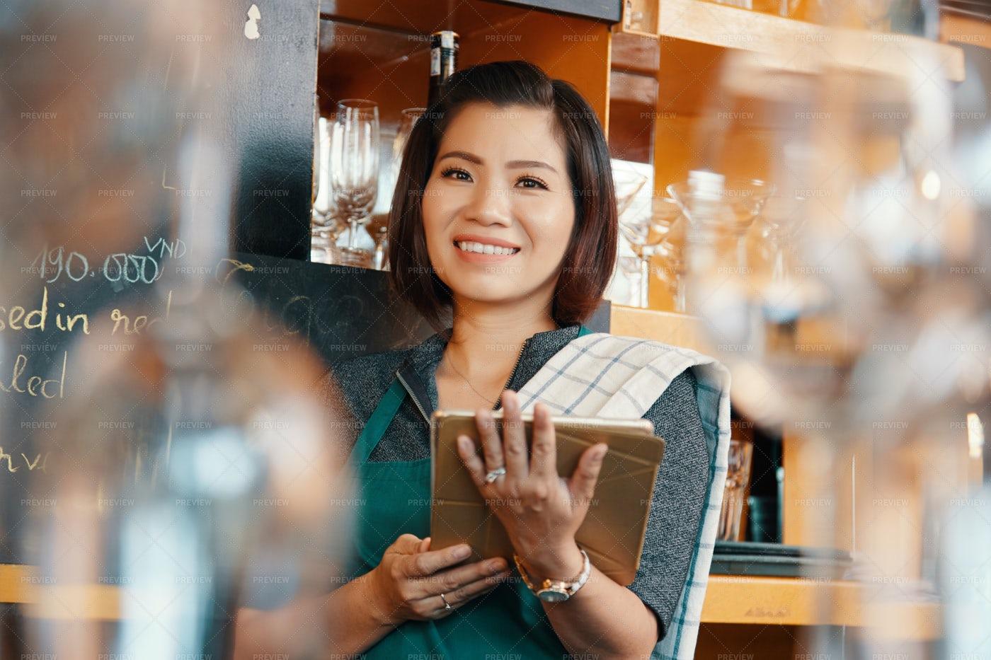 Waitress With Digital Tablet: Stock Photos