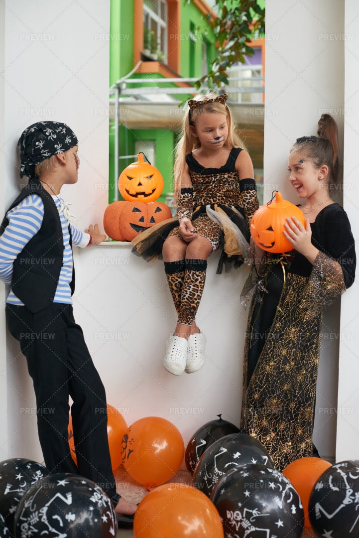 Friends Hanging Out On Halloween: Stock Photos