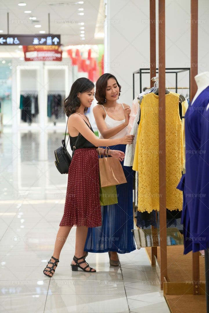 Shopping Spree: Stock Photos