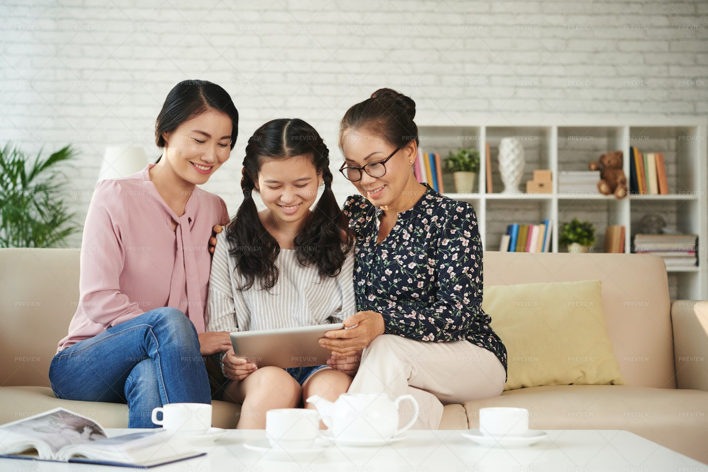 Family With Digital Tablet: Stock Photos