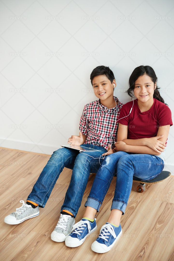 Twins Spending Time Together: Stock Photos