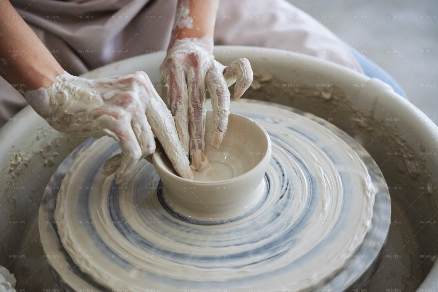 Making Clay Bowl: Stock Photos