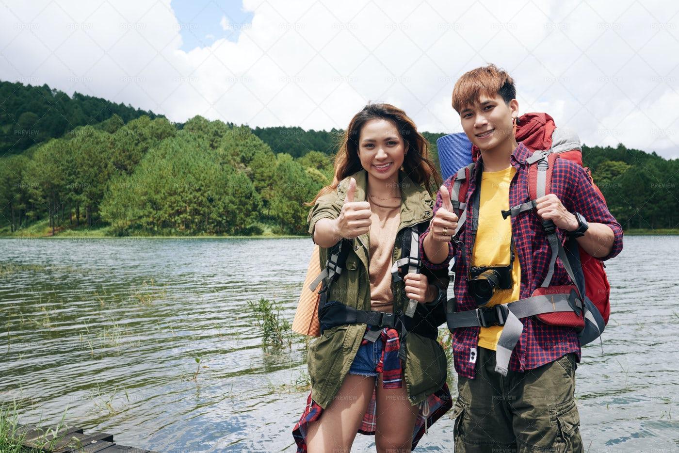 Hiking Couple: Stock Photos
