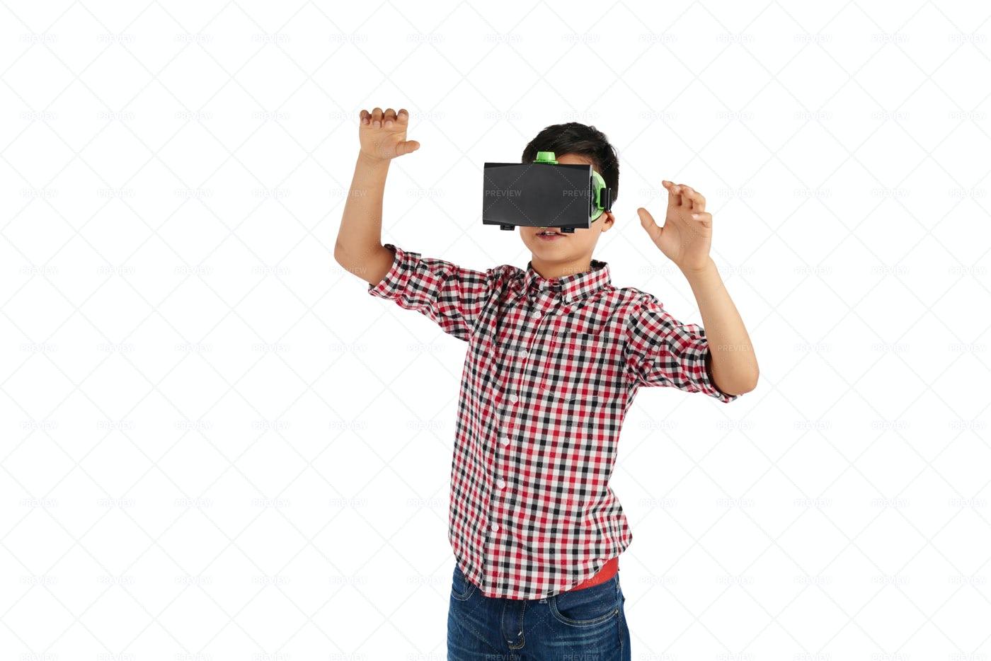 Enjoying Virtual Reality: Stock Photos