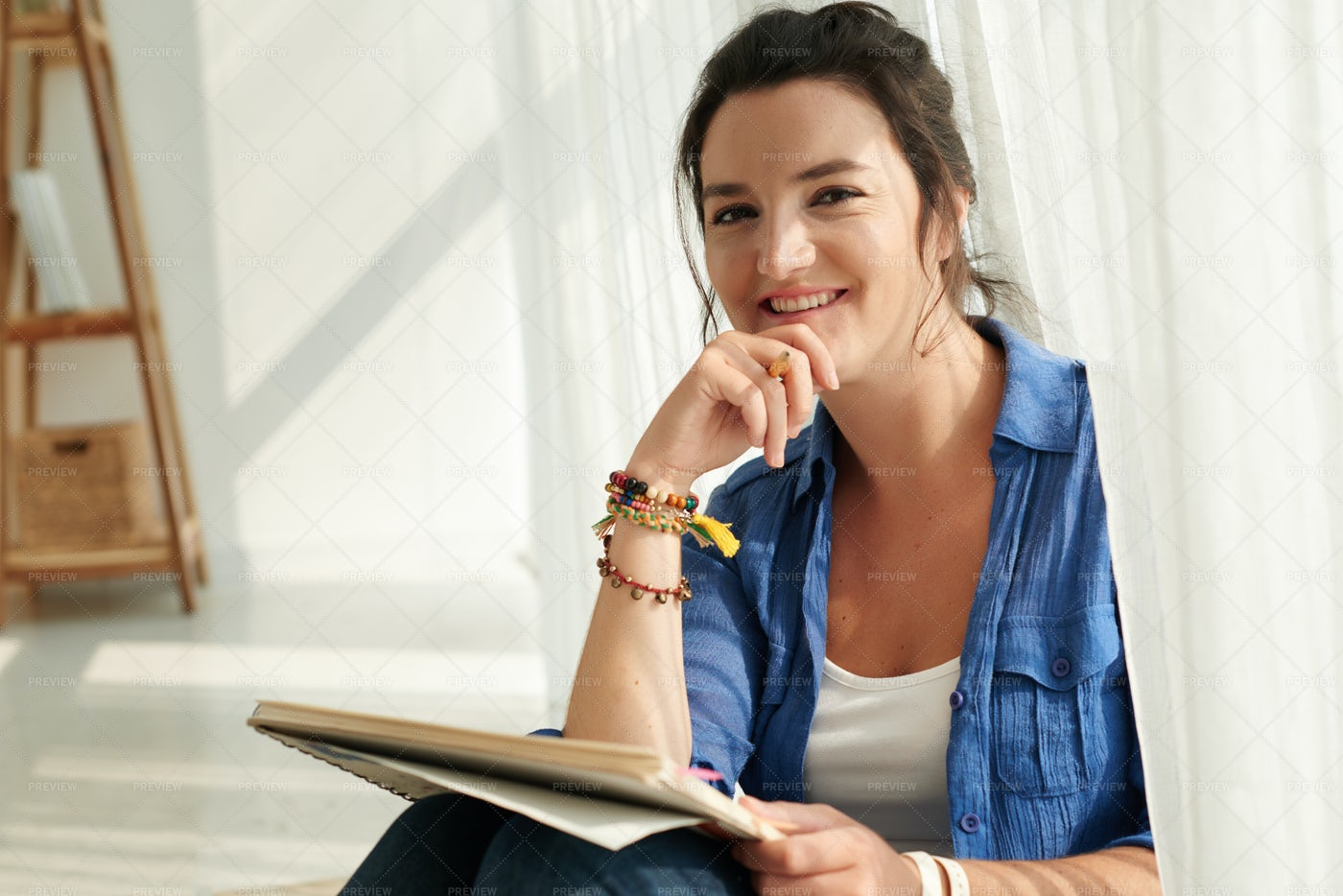 Female Artist: Stock Photos