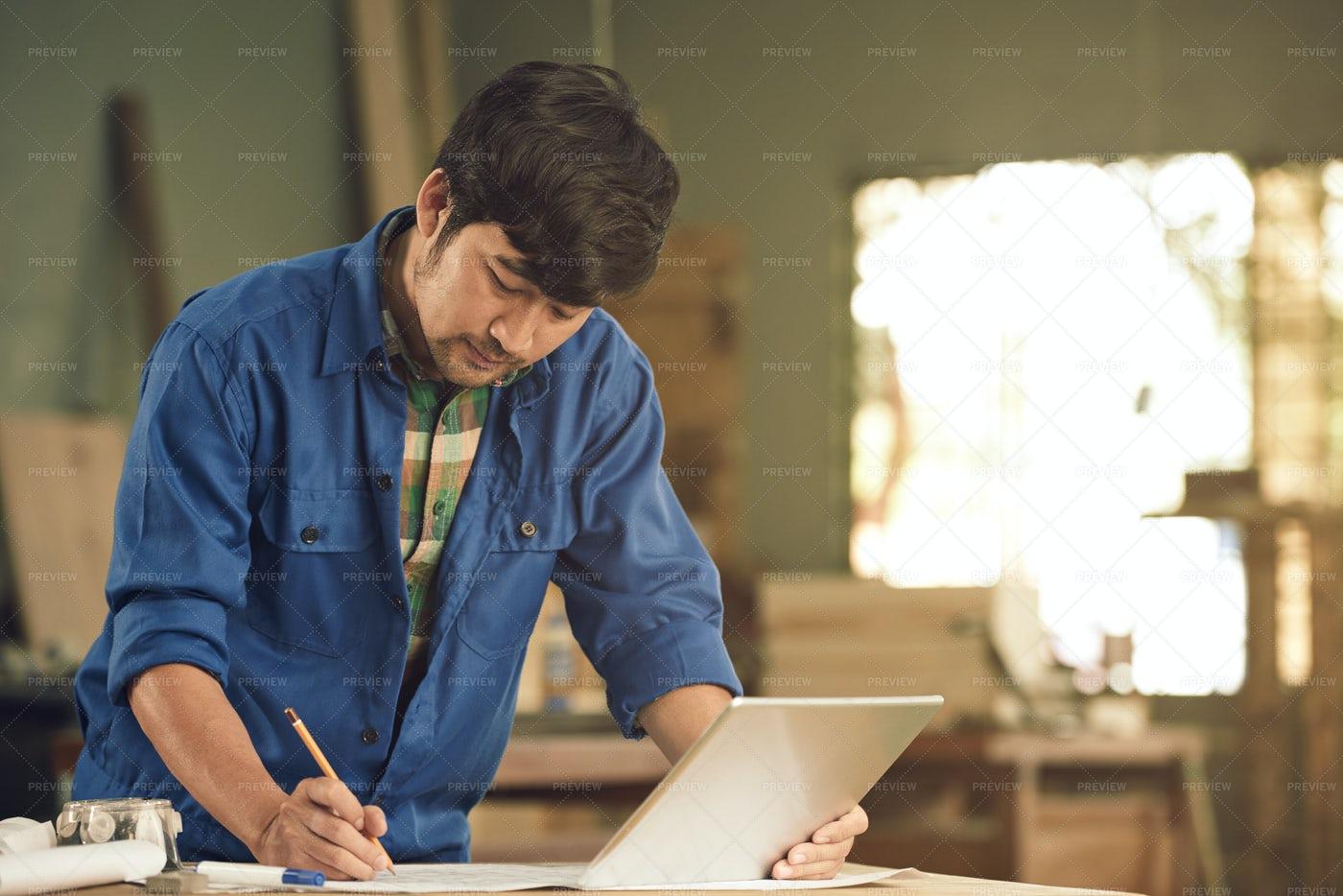 Sketching Carpenter: Stock Photos