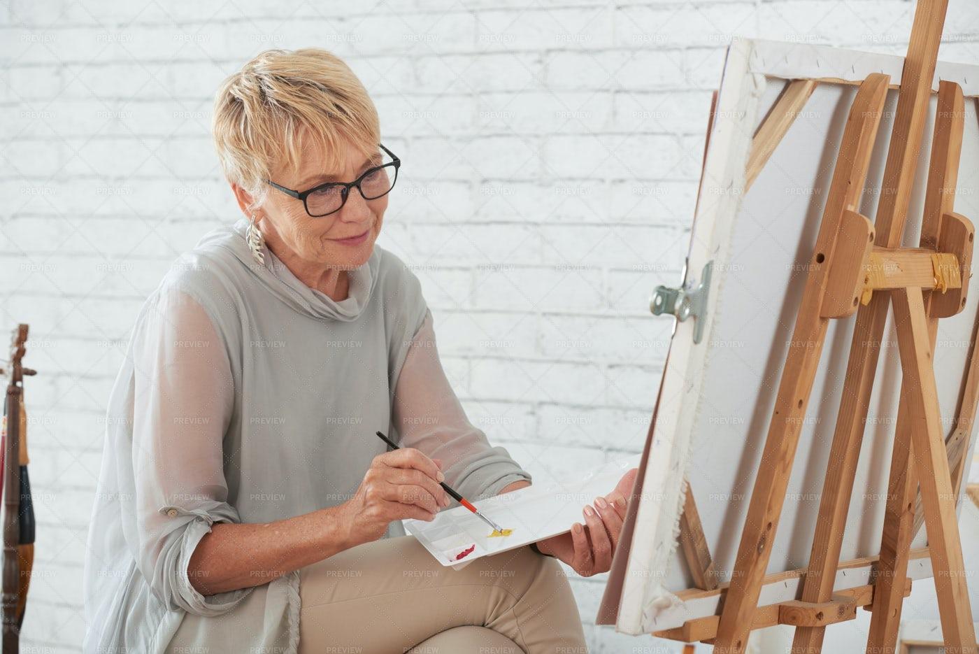 Painting Lady: Stock Photos