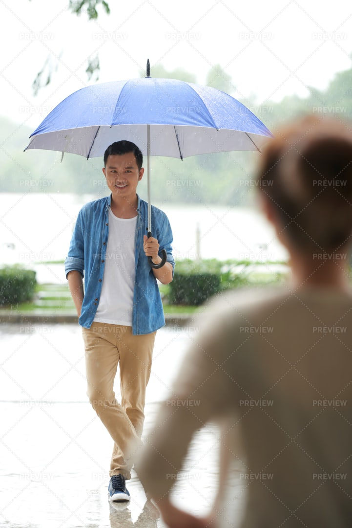 Date In Rain: Stock Photos