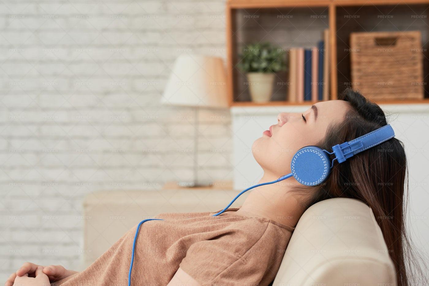 Enjoying Good Music: Stock Photos